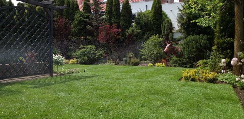 Ogród w Konstancinie (Konstancin-Jeziorna)